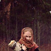 Девочка в лесу :: Наташа Попова