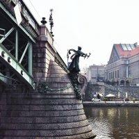 Опора моста через Влтаву :: Ирина Егорова