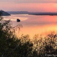 Весенний закат на Волге :: Павел Пудов