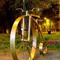 памятник велосипеду :: Иван Синицарь