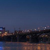 Огни большого города (и народ на мосту) :: Мария Арбузова