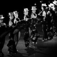 танец :: виктор омельчук