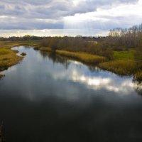 Река Бурнак в городе Жердевка. Последние лучи тепла. :: Валерий Рыкунов