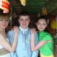 Свадебные гости. :: Руслан Грицунь