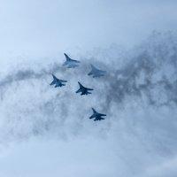 Парад самолетов 9мая в Севастополе :: Солнечная Лисичка =Дашка Скугарева
