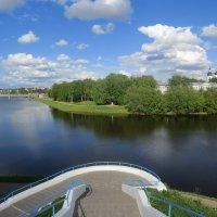 Геометрия гармонии города, реки, неба... :: Владимир Павлов