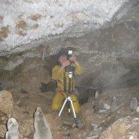 фотосессия в пещере :: евгений Смоленцев