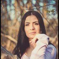 в раздумьях среди деревьев :: Саша Балабаев