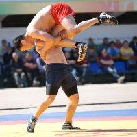 Третий вид якутского многоборья борьба Хапсагай (Ловкий) :: Борис Винокуров