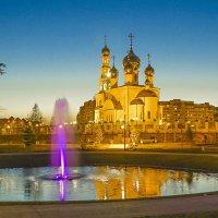 Фонтаны вечернего парка :: юрий Амосов