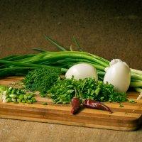 Зелень и яйца :: Сергей