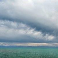 Буря над Иссык-кулем. :: Ирина Токарева