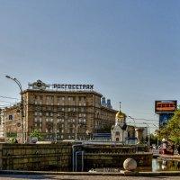 Фонтан в Первомайском сквере :: Sergey Kuznetcov
