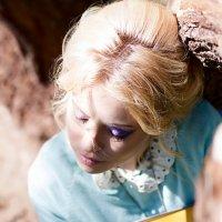 девушка с книгой :: Евгения Семенова