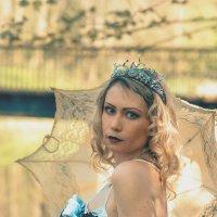 Алиса в стране чудес (Белая королева) :: Nina Zhafirova