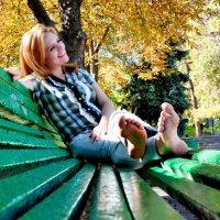 Скамейка в парке :: Аня Белинская