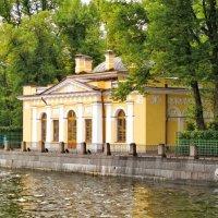 Кофейный домик в Летнем саду :: Олег Попков