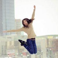 прыжок бывшей гимнастки :: Ева Болярская