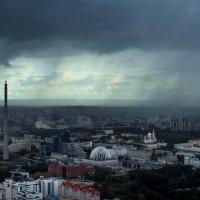 Дождь над Екатеринбургом :: Мария Батина