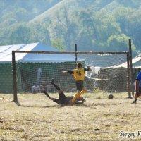 Футбол на Грушинском филиале :: Сергей Кандауров