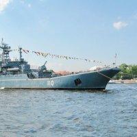 В день ВМФ на Неве :: Олег Попков