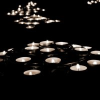 Поминальные свечи в Нотр-Дам де Пари :: Светлана Темнова