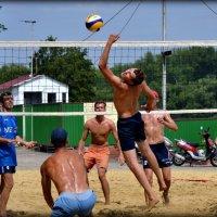 Пляжный волейбол. Битва за Парус :: Ирина Фёдорова