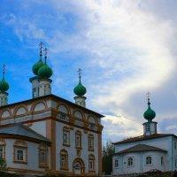Спасская (слева) и Архангельская (справа) церкви г.Соликамск :: Вячеслав Исаков