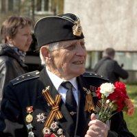 Возложение цветов на аллеи Славы :: Илья Кузнецов