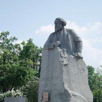 Памятник Карлу Марксу на Театральной площади (Москва) :: Елена Зинякова