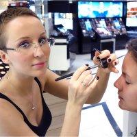Красивая Женщина радует мужской глаз, некрасивая - женский ... :-)) :: Михаил Палей