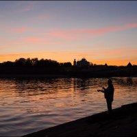 Ночь над Волховом :: Евгений Никифоров