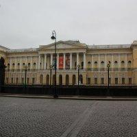 Здание с колоннами :: Aнна Зарубина