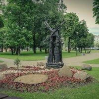 Деревянная скульптура в сквере. :: Nonna