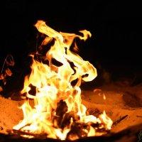 Танцы пламени 4 :: Виталий Павлов