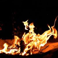 Танцы пламени 1 :: Виталий Павлов