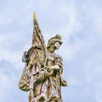 Одинокий памятник :: Василий Игумнов