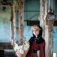 The story of one aristocratic zombie housewife :: Valeria Mironova