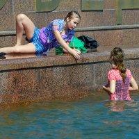 жара в городе :: Владимир Матва