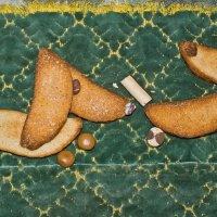Собаки аппетитные обсыпные с сахаром к чаю :: Сергей Кириллович Виноградов