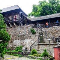 Внутренний двор в замке :: Witalij Loewin