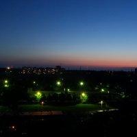 Закат над городом :: Алексей Кузнецов