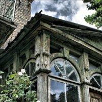 Веранда старого дома :: Виктор (victor-afinsky)