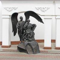 У дверей Духовно-Образовательного центра Белорусской Православной Церкви. :: Роланд Дубровский
