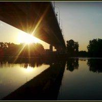 Река Москва. На рассвете. Июнь 2014 год. :: Ольга Кривых