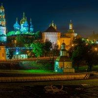 Вид на лавру ночью :: Виктор Васильев