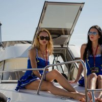 Красотки на яхте :: Дмитрий