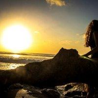 Девушка и океан :: Катрин Кот