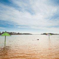 Весной на пляже :: Сергей Один