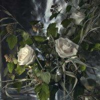 Белые розы и серебро :: Татьяна Иванова